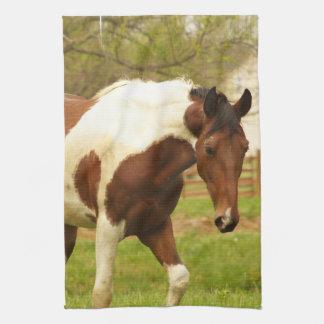 歩き回るペンキの馬の台所タオル キッチンタオル
