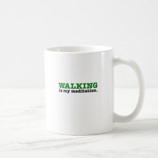 歩くはです黙想(緑の版) コーヒーマグカップ