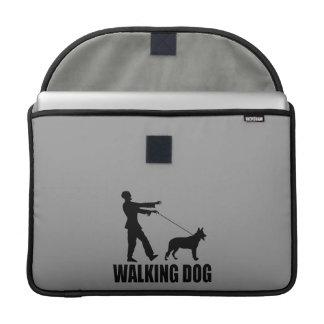 歩く犬(ゾンビ) MacBook PROスリーブ