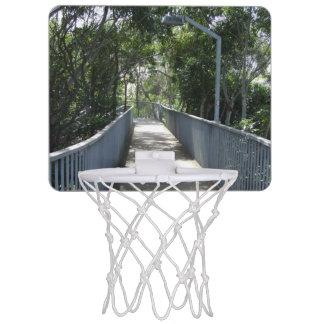 歩行者の跨線橋の小型バスケットボールたが ミニバスケットボールゴール
