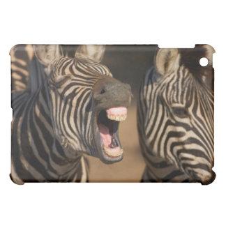歯を示しているシマウマのクローズアップ iPad MINIケース