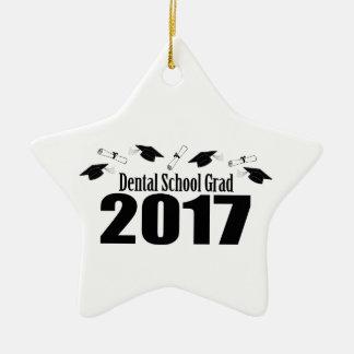 歯学部の卒業生2017の帽子および免状(黒) セラミックオーナメント