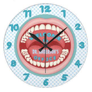 歯科歯科医のオフィスのノベルティの名前入りな歯 ラージ壁時計