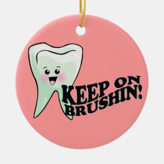 歯科矯正医の歯科矯正学Orthodontry セラミックオーナメント