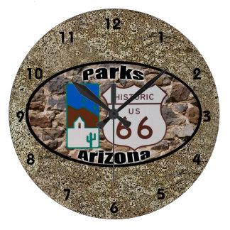 歴史的なルート66の~公園、アリゾナ ラージ壁時計