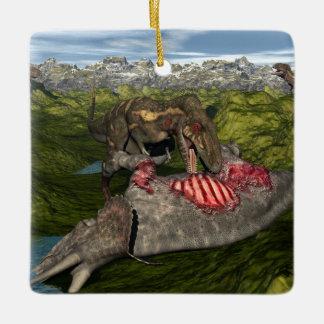 死んだトリケラトプスを食べるNanotyrannus セラミックオーナメント