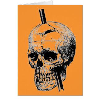 死体のスカルを通して長いネイルを運転すること カード
