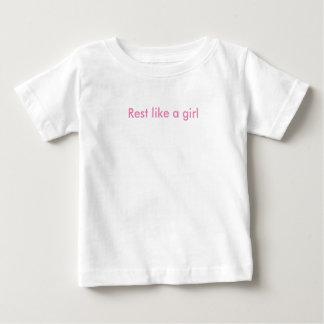 残りは女の子のベビーのTシャツを好みます ベビーTシャツ