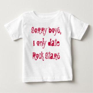 残念な男の子、私はロックスターだけに日付を記入します ベビーTシャツ