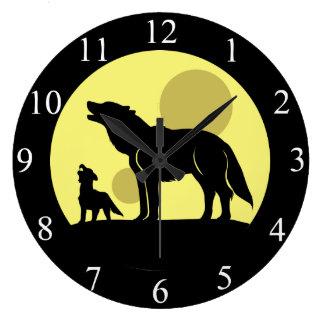 母およびオオカミ子犬 ラージ壁時計