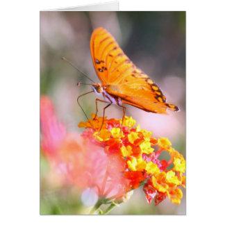 母の日の蝶ピンクおよび黄色い開花 カード