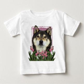 母の日-ピンクのチューリップ-柴犬- Yasha ベビーTシャツ
