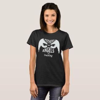 母は訓練の天使です Tシャツ