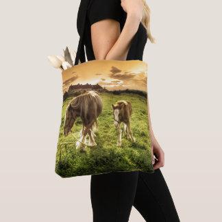 母及び子馬の馬 トートバッグ