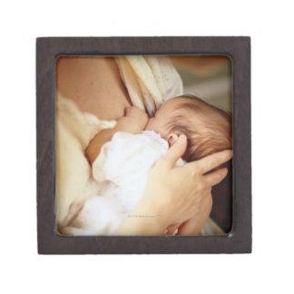 母母乳で育てる女の赤ちゃん(1-3か月) ギフトボックス