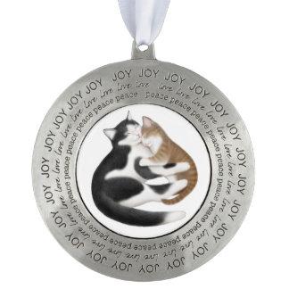 母親らしい愛猫の平和喜びのピューターのオーナメント オーナメント