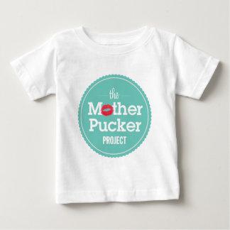母Puckerのプロジェクト ベビーTシャツ