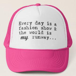 毎日ファッション・ショーはです キャップ