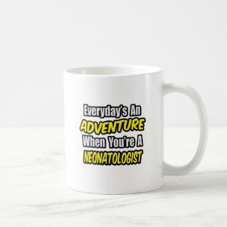 毎日冒険。 Neonatologist コーヒーマグカップ