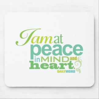 """毎日WORD®の""""内部の平和""""マウスパッド マウスパッド"""