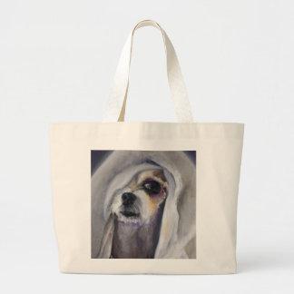 毛布の下の愛らしく壊れやすい犬 ラージトートバッグ