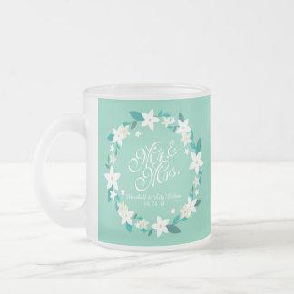 氏及びElegant Floral Wedding Frosted夫人のマグ フロストグラスマグカップ