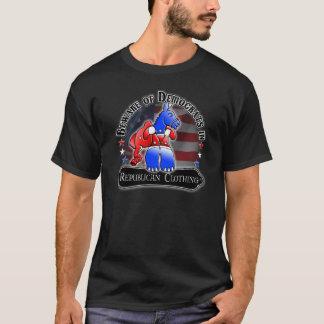民主党員対共和党のアメリカ人米国の愛国者のTシャツ Tシャツ