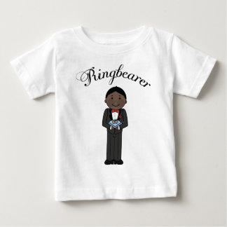 民族のRingbearerはTシャツをからかいます ベビーTシャツ