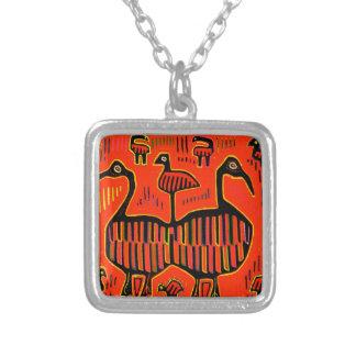 民芸のカラフルの鳥 シルバープレートネックレス