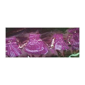 民芸の人形-紫色 キャンバスプリント