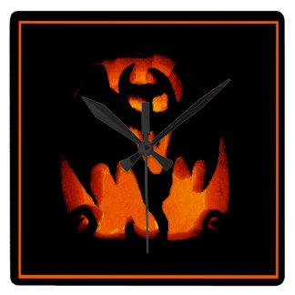 気味が悪いハロウィンのカボチャこうもりのシルエット スクエア壁時計