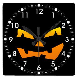 気味悪いハロウィーンのカボチャのちょうちんハロウィンのカボチャ顔 スクエア壁時計