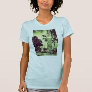 気味悪い緑の古いファッションtower2のTシャツの女性 Tシャツ