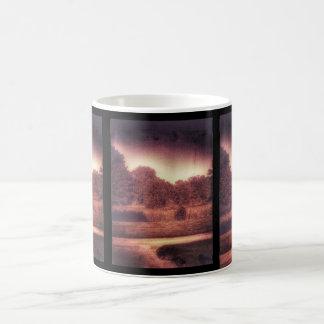 気味悪く暗い森林マグ コーヒーマグカップ