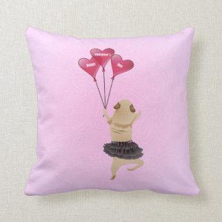 気球が付いているチュチュの極度のかわいいバレンタインのパグ クッション