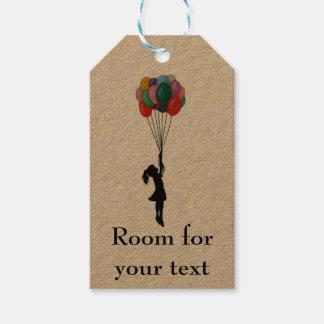 気球のカスタマイズ可能なラベルを持つ女の子 ギフトタグ