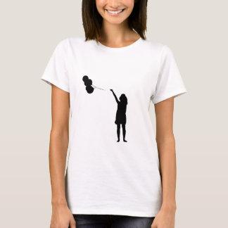 気球のシルエットを持つ女の子 Tシャツ