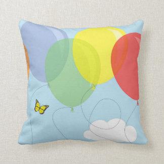 気球及び蝶 クッション