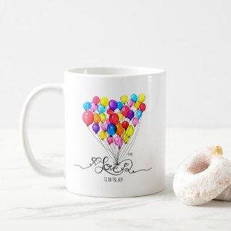 気球愛は空気|ハートにあります コーヒーマグカップ