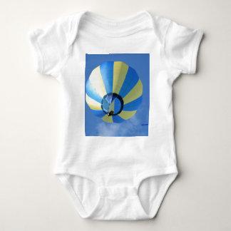 気球、黄色および青! ベビーボディスーツ