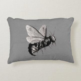 気色悪いゴシック様式蜂のスカルの翼昆虫 アクセントクッション