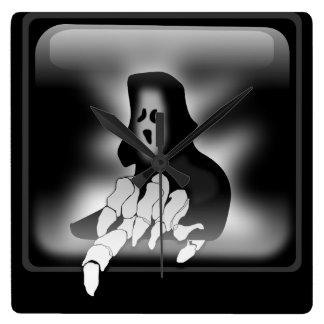 """""""気色悪い幽霊""""の柱時計 スクエア壁時計"""