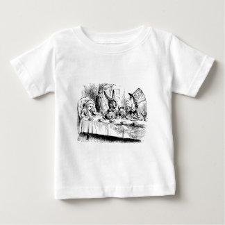 気違いのお茶会のアリス ベビーTシャツ