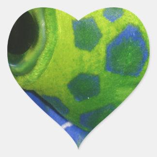 気難しいカメのカラフルの緑 ハートシール