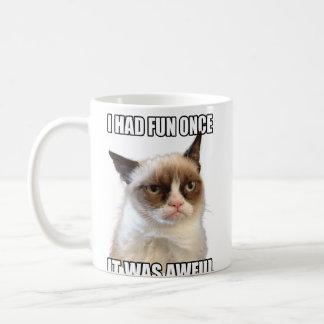 気難しい猫のマグ コーヒーマグカップ