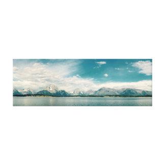 水か山91.44cm x 30.48cm、3.81cm キャンバスプリント