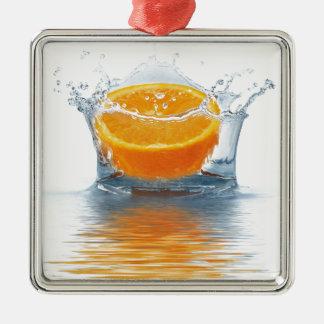 水でオレンジにはねかけること メタルオーナメント