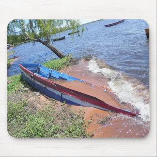 水によって開拓されるボート マウスパッド