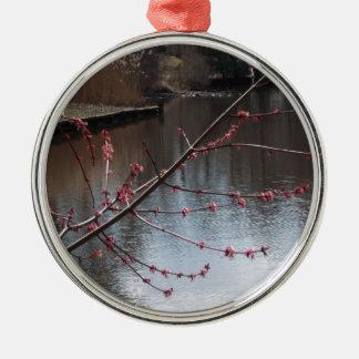 水に春のシンボルや象徴 メタルオーナメント
