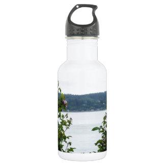 水に花の咲く低木 ウォーターボトル
